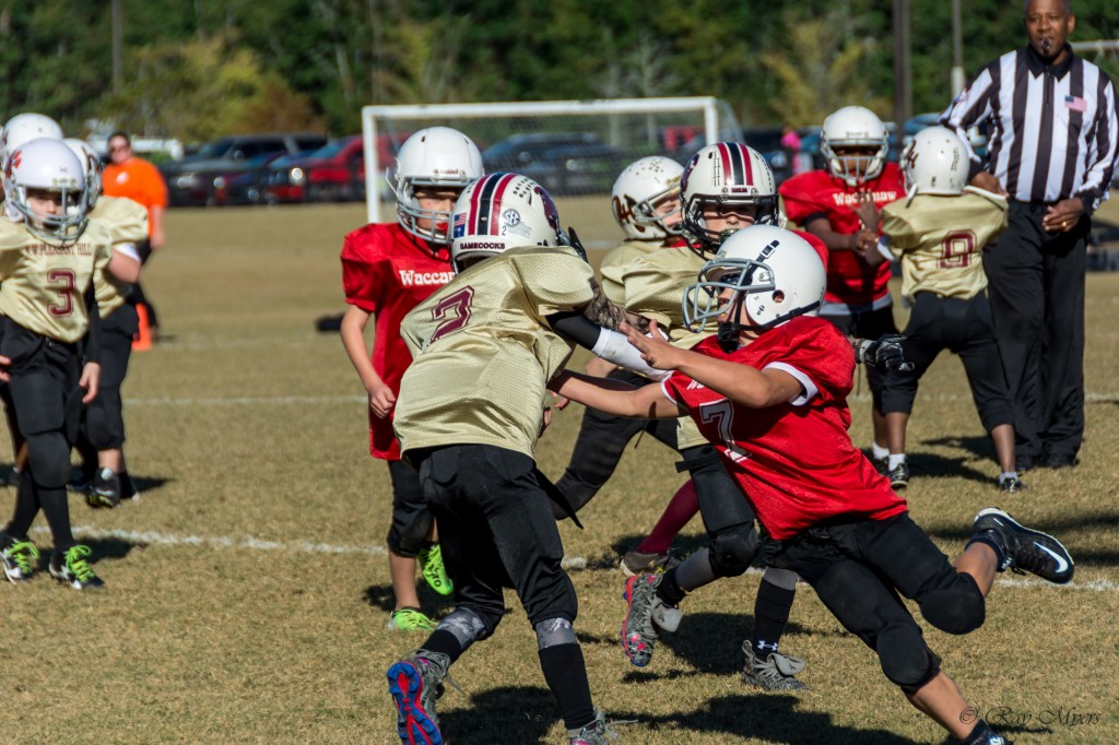 waccamaw-red-vs-pleasent-hill-football-tackle