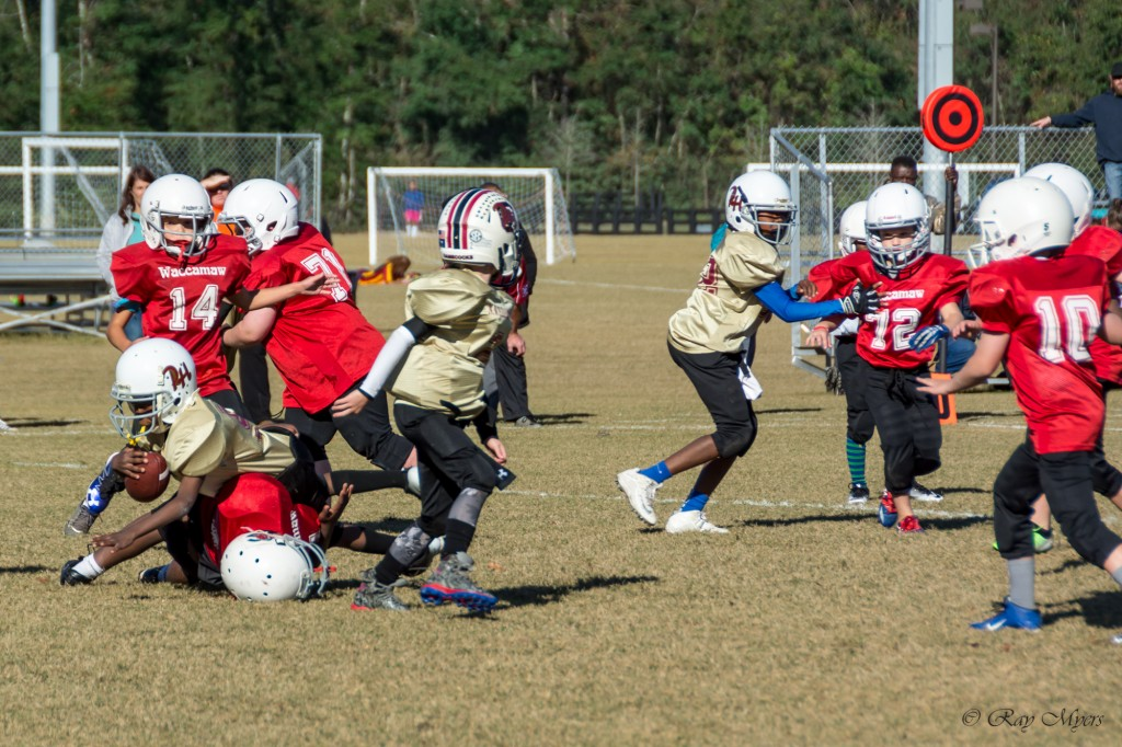 waccamaw-red-vs-pleasent-hill-football-tackle-2